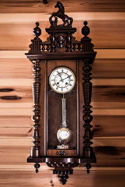 Storia dell 39 orologio a muro for Orologi a pendolo da muro